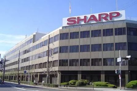 Apple talking to Sharp about supplying OLED displays.JPG