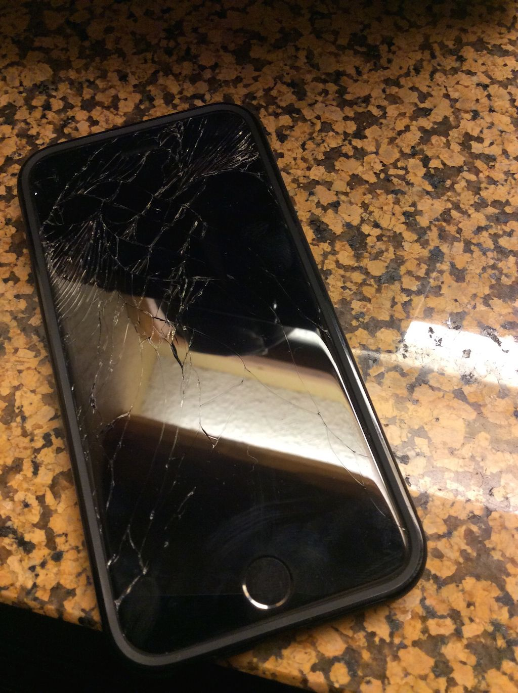 broken screen iphone 6 i m now in the screen club apple iphone forum 13702