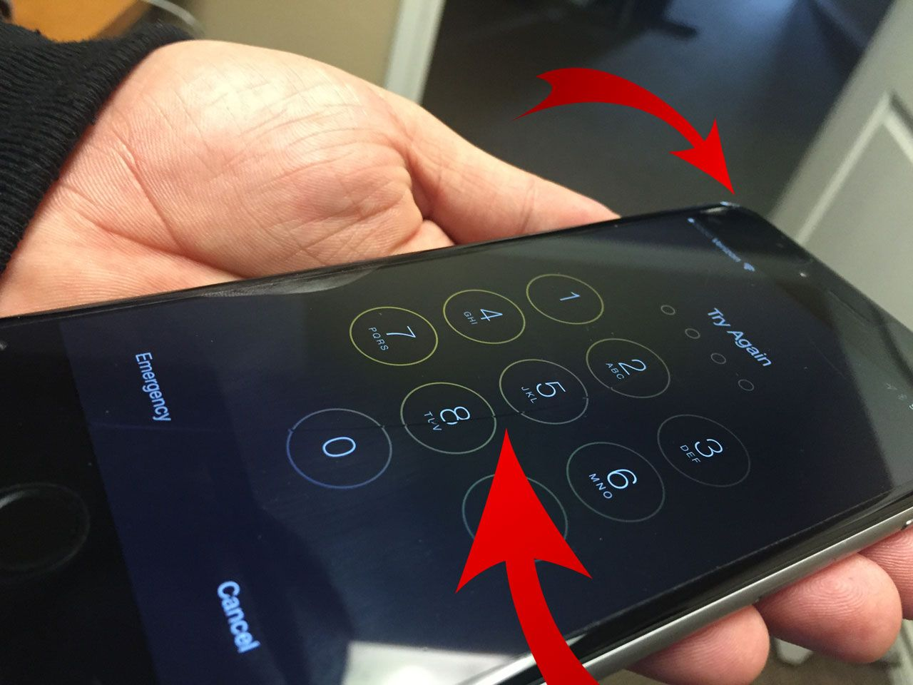 iphone6-plus-crack-screen.jpg