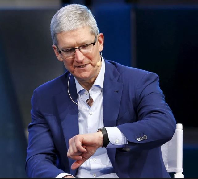 Tim Cook seen testing glucose monitor on Apple Watch.JPG