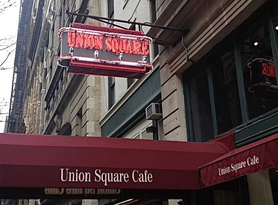 Union Square Cafe to adopt Apple Watch for managers.JPG
