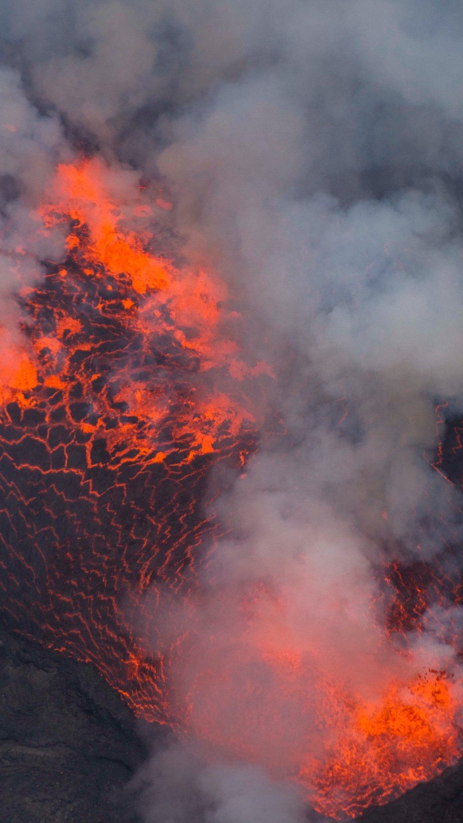 volcano_lava_eruption_138855_938x1668.jpg